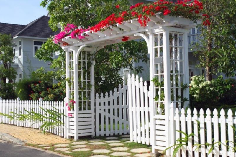 cổng nhà phong thủy tốt