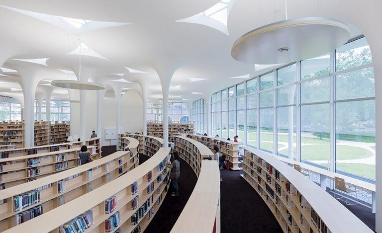 Thư viện lớn trong Club House của La Partenza Nhà Bè.